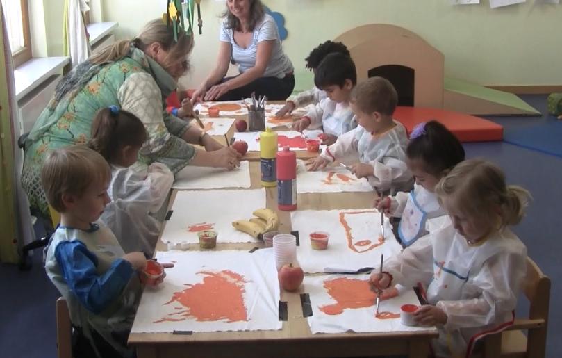 Kinder mit Platypus Theater
